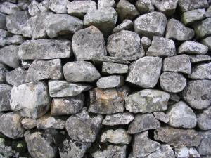 Dry_stone_wall_in_the_yorkshire_dales_detail